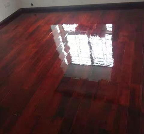 地板翻新完工图片